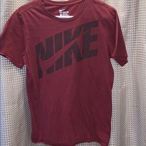 Nike T-Shirt Size Small